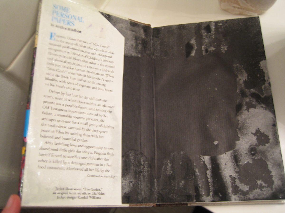 Zo kun je een nat boek drogen